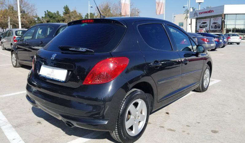 Peugeot 207 lleno