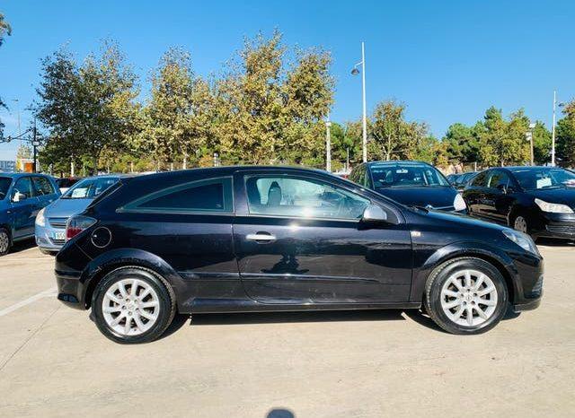 Opel Astra GTC lleno